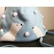 Clapčenská čiapka Biele medvede modrá